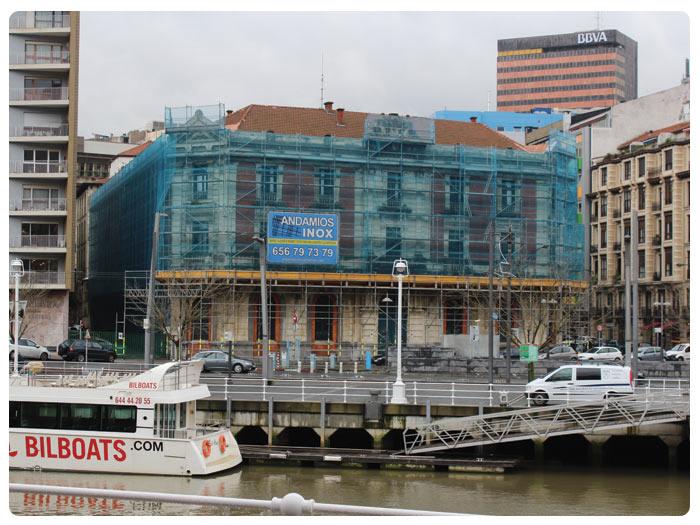 Fachada Andamios INOX en Edificio Aduanas