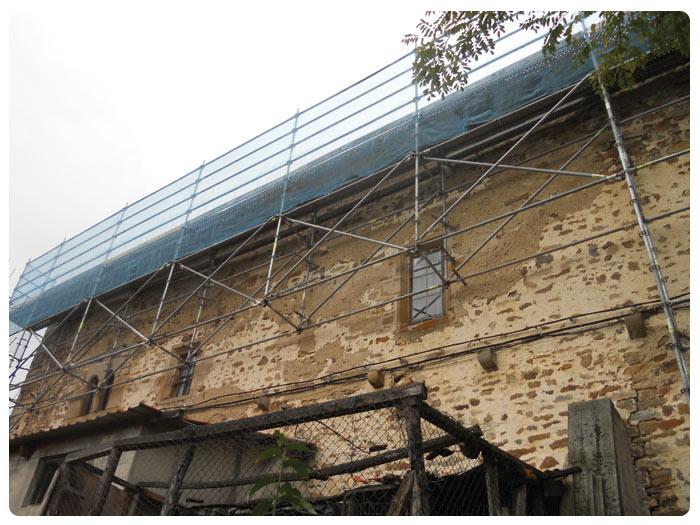 Fachada Andamios INOX en Iglesia de San Kosme (Gordexola)