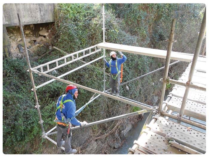 Andamios INOX para montaje Pasarela Puente Munguia